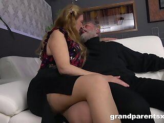 Experienced couple has a small fortune be advisable for fun in the presence be advisable for several sexy strippers