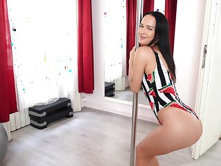 Piping hot solo girl Sasha Sparrow dances around the pole with an increment of teases