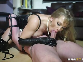 Mistress More And Say no to Manservant