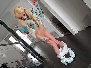 Nasty blonde slut Kenzie Reeves drops on her knees surrounding be face fucked