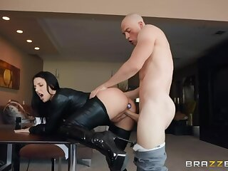Incredibly hot big boobed MILF just loves bondage and wild nomination sexual intercourse